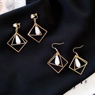 Isle of Green - Faux Pearl Geometric Earrings