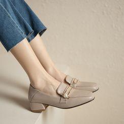Freesia - Faux Pearl Loafers