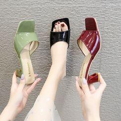 clog & wings - 漆皮方形鞋頭粗跟涼拖