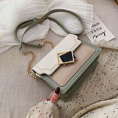 Diamante(ディアマンテ) - Embroidered Trim Shoulder Bag