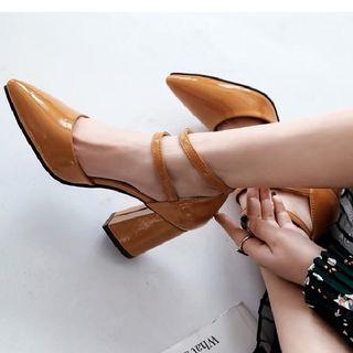 Freesia - 粗跟多帶鞋