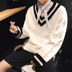 Besto - V-Neck Sweater