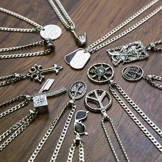 Tinseltown - Alloy Pendant Necklace (various designs)