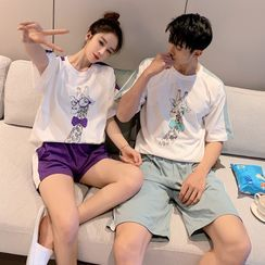 Endormi - Couple Matching Pajama Set: Short-Sleeve Giraffe Print T-Shirt + Shorts