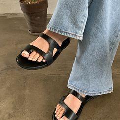FROMBEGINNING - Toe-Loop Cutout Flip-Flops