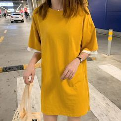 Verome - Mock Two-Piece Oversize Elbow-Sleeve T-Shirt