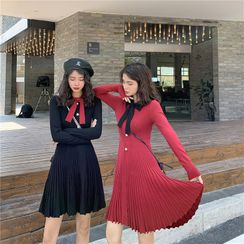 Yaonee - Bow Accent Long-Sleeve Knit Dress