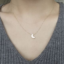 Ignar - Alloy Moon Pendant Necklace