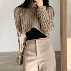 Avox - Long-Sleeve Plain Cropped Cable Knit Sweater