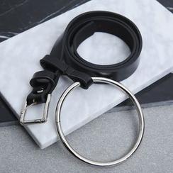 Sonne - Cinturón estrecho de piel sintético con anilla