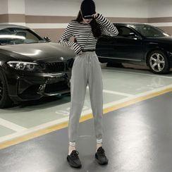Edifil - Long-Sleeve Striped Cropped T-Shirt / Sweatpants