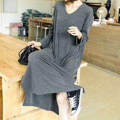 Oscuro - 长袖纯色连衣中裙