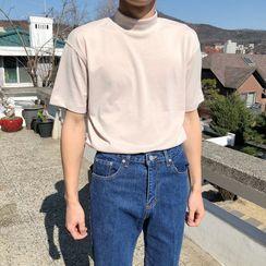 VEAZ - Mock Neck Short-Sleeve T-Shirt
