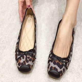 Alisse(アリッセ) - Leopard Print Bow Flats