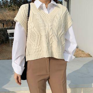 DANI LOVE - V-Neck Cable-Knit Cropped Vest