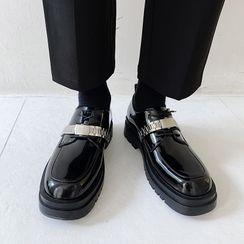 VEAZ - Chain Strap Patent Platform Oxford Shoes