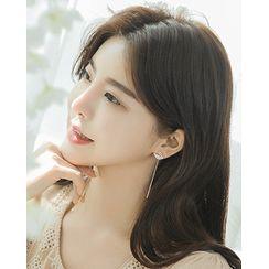 Miss21 Korea - Swan Thread Earrings
