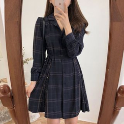monroll - 长袖格纹迷你A字衬衫裙