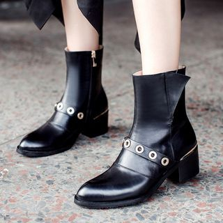 JY Shoes - Eyelet Detailed Chunky Heel Ankle Boots