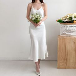 Seoul Fashion - Flared Satin Maxi Slipdress