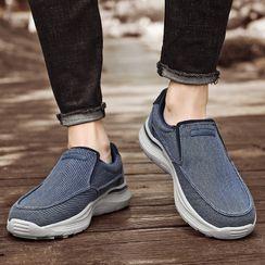 WeWolf - 纯色帆布轻便鞋