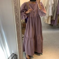 Windcatcher - Square-Neck Long-Sleeve Maxi Shift Dress