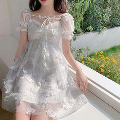 Windflower - 泡泡短袖A字蕾丝连衣裙