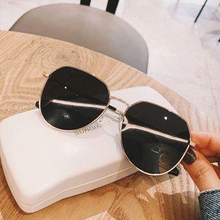 MOL Girl - 复古太阳眼镜