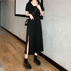 Mimihouse - Short-Sleeve Midi T-Shirt Dress