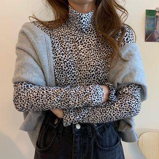 Dute - Mock-Turtleneck Long-Sleeve Leopard Print Top