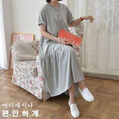 Seoul Fashion - Shirred Tiered Maxi T-Shirt Dress