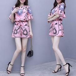 伊之戀 - 套裝: 印花短袖雪紡T裇 + 短褲