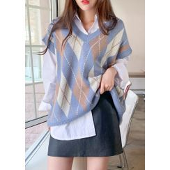 chuu - V-Neck Argyle Knit Vest