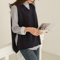 JUSTONE - V-Neck Deep-Slit Cable-Knit Vest