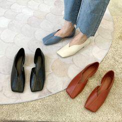 MIKOGI - 方形鞋头平跟鞋