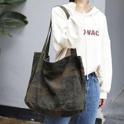 Quien - Camo Canvas Tote Bag