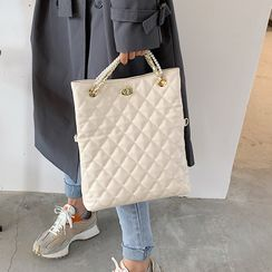 FAYLE(フェイル) - Quilted Flap Crossbody Bag