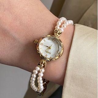 Betsuno - Faux Pearl Bracelet Watch