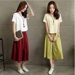 Smooch - 套裝: 短袖T恤 + 中長裙