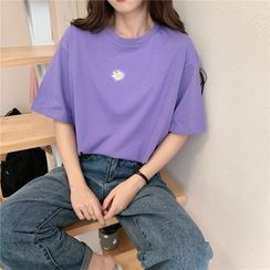 Closette - Daisy Embroidered Short-Sleeve Round Neck T-Shirt