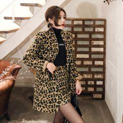 Yilda - 套装: 豹纹印花西装外套 + 迷你铅笔裙