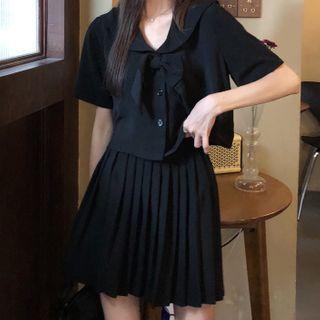 Softpea - 短袖水手領上衣 / 打褶襉A字迷你裙