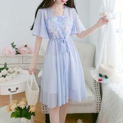 Petit Lace(プチレース) - Short-Sleeve Chiffon Midi Hanfu Dress