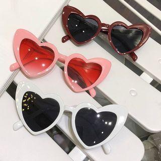 Aisyi - Retro Heart Sunglasses