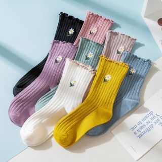 Wolfhara - Floral Embroidered Ribbed Socks
