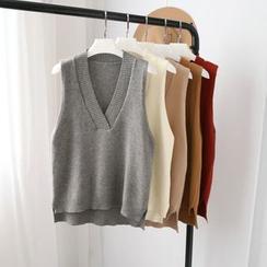 Phantasy - V-Neck Knit Vest