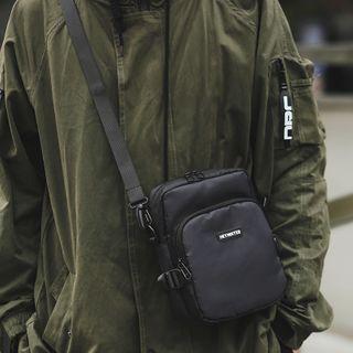 ETONWEAG - Letter Crossbody Bag
