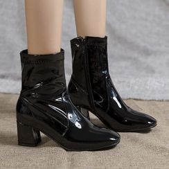 Shoes Galore(シューズガロア) - Block Heel Side Zip Short Boots