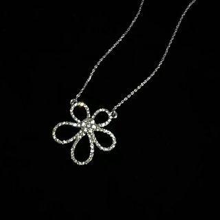 Zalmat - Rhinestone Flower Pendant Necklace