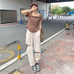 CosmoCorner - 短袖方领纯色上衣 / 做旧宽松裤